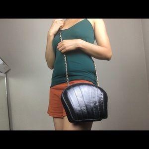 Vintage Bags - Vintage shell shaped snake skin crossbody bag